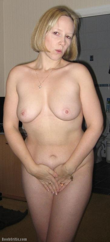 amateur boobs Otngagged housewife
