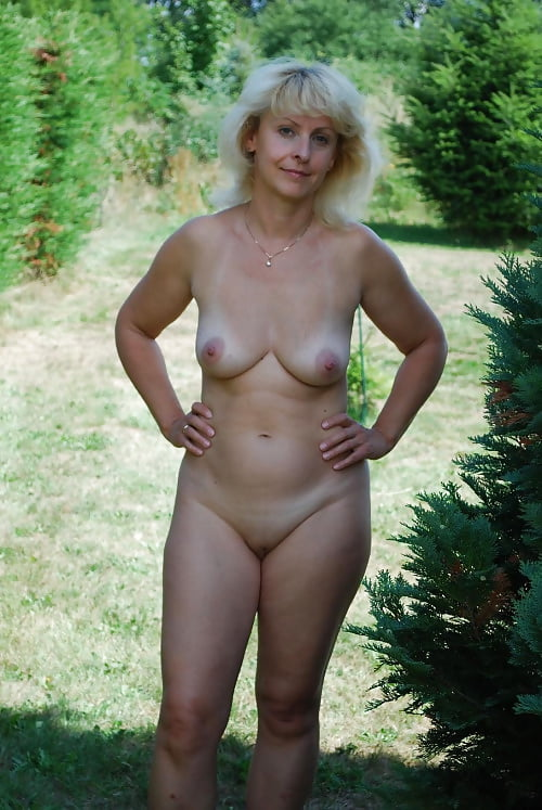 chubby babe Woman outdoor